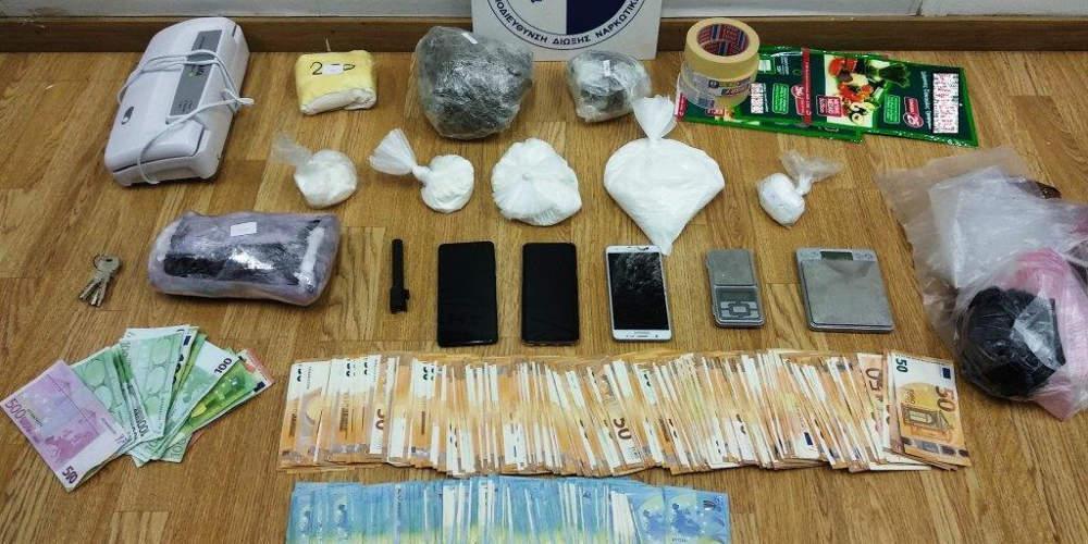 Εξαρθρώθηκε κύκλωμα διακίνησης ναρκωτικών στην Καλλιθέα – Κατασχέθηκαν 2,2 κιλά κοκαΐνης