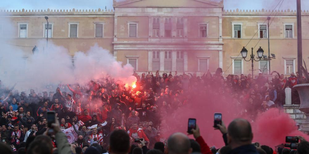 Εκλεισε το κέντρο της Αθήνας λόγω συγκέντρωσης οπαδών του Ολυμπιακού και του Ερυθρού Αστέρα