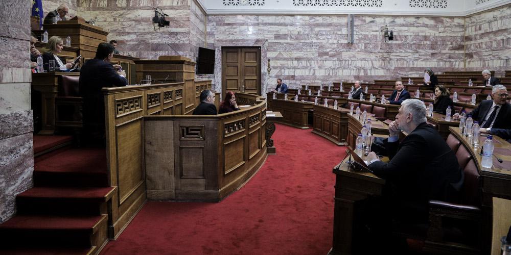 Εκλογικός νόμος: Αντιτίθενται τα κόμματα της αντιπολίτευσης πλην Βελόπουλου