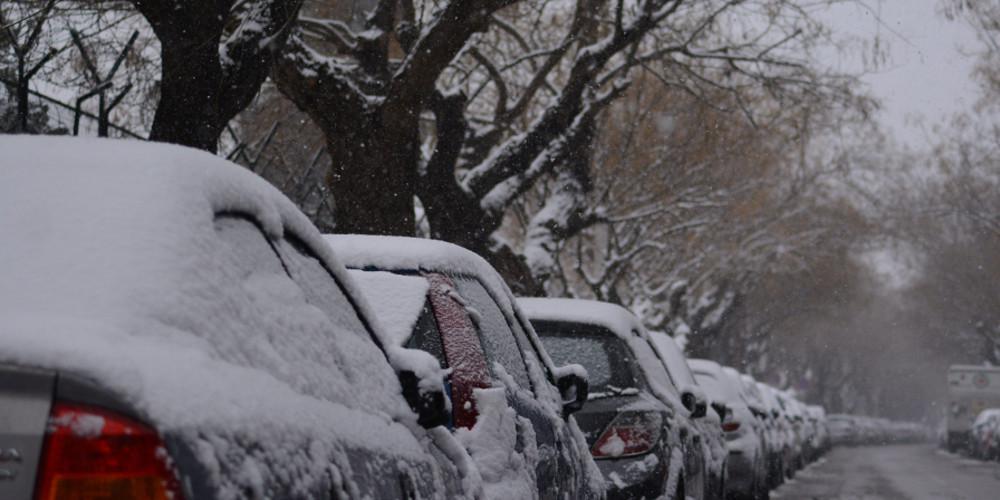 Πρόγνωση καιρού: Χιόνια και την Τρίτη στην Αττική με μεγαλύτερη πτώση της θερμοκρασίας