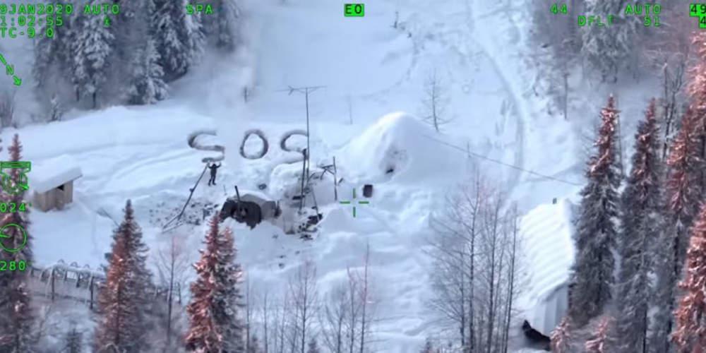 Απίστευτο: Επιβίωσε για 3 βδομάδες στον παγετό της Αλάσκας – Έγραφε SOS στο χιόνι