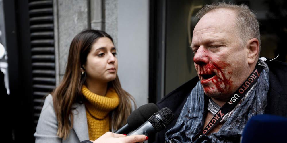 Άγρια επίθεση ακροδεξιών σε Γερμανό δημοσιογράφο στο Σύνταγμα