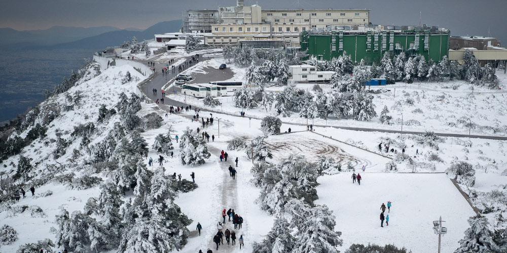 Πρόγνωση καιρού: Ο «Ηφαιστίων» σφρυροκοπά τη χώρα – Πού θα χιονίσει στην Αττική