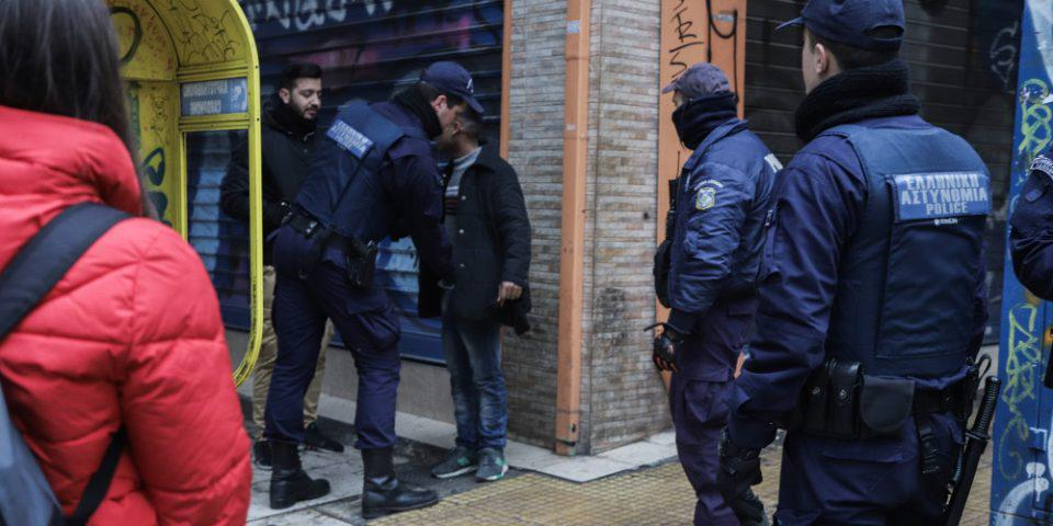 Δέκα συλλήψεις σε νέα αστυνομική επιχείρηση στην Ομόνοια