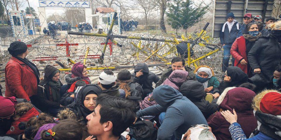 Guardian: «Χωρίς μέλλον και ελπίδα» - Πρόσφυγες έγιναν πιόνια στο πολιτικό παιχνίδι του Ερντογάν