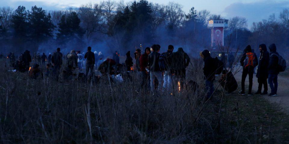 Όργιο προπαγάνδας από την Άγκυρα: Βάζουν τους μετανάστες να φωνάζουν «ζήτω η Τουρκία»