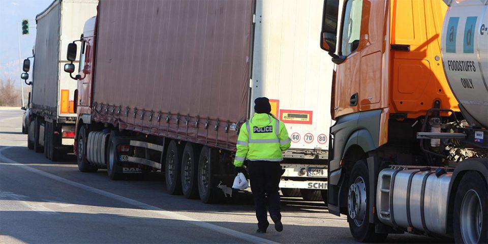 Άρση των μέτρων απαγόρευσης κυκλοφορίας για τα φορτηγά