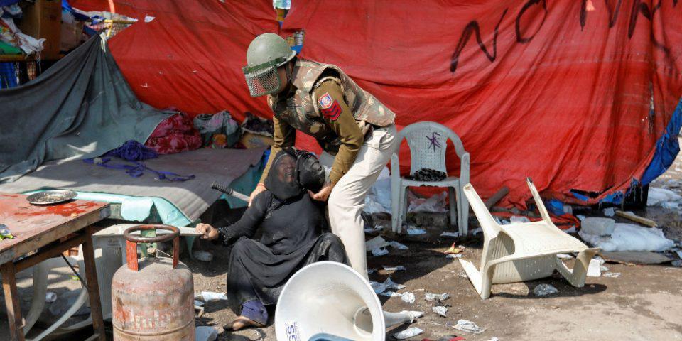 Ινδία: Τουλάχιστον 20 νεκροί στα βίαια επεισόδια στο Νέο Δελχί