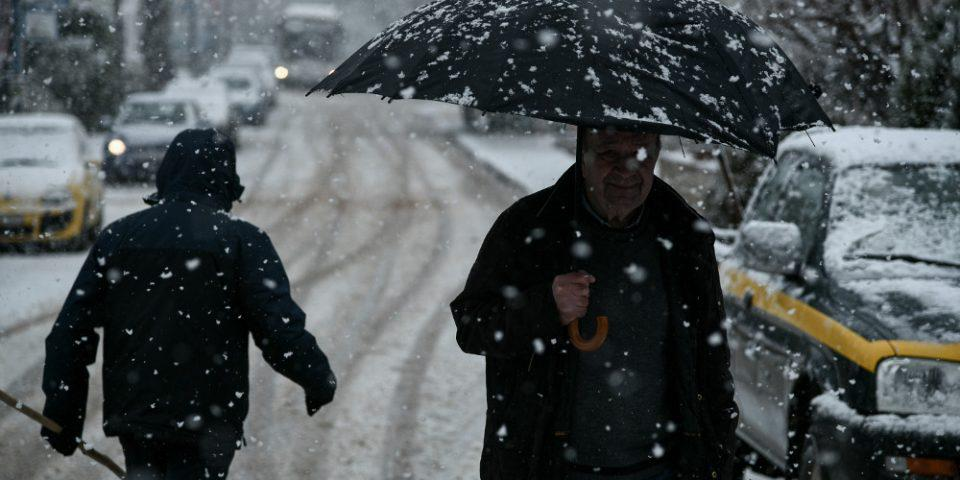 Καιρός: Χιόνια στην Πάρνηθα, βροχές, κρύο και μποφόρ την Δευτέρα