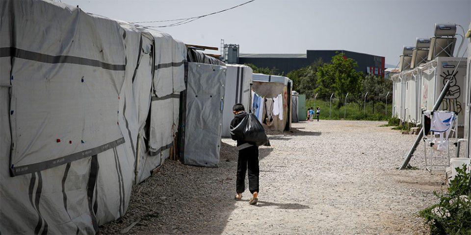 Κορωνοϊός: Κλιμάκια του ΕΟΔΥ στις δομές Ριτσώνας και Μαλακάσας