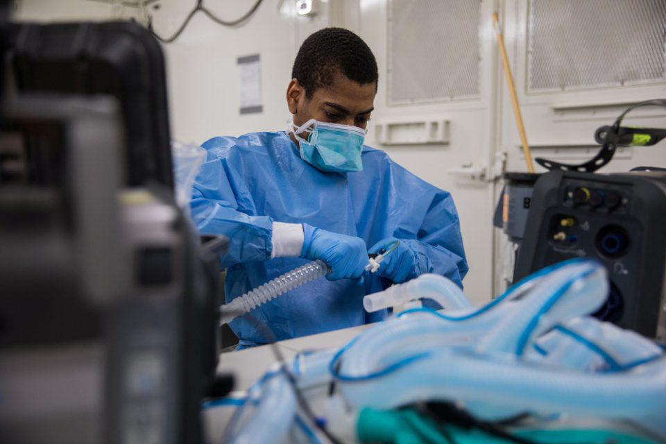 Κορωνοϊός: 184 νέοι θάνατοι ασθενών στην Βρετανία