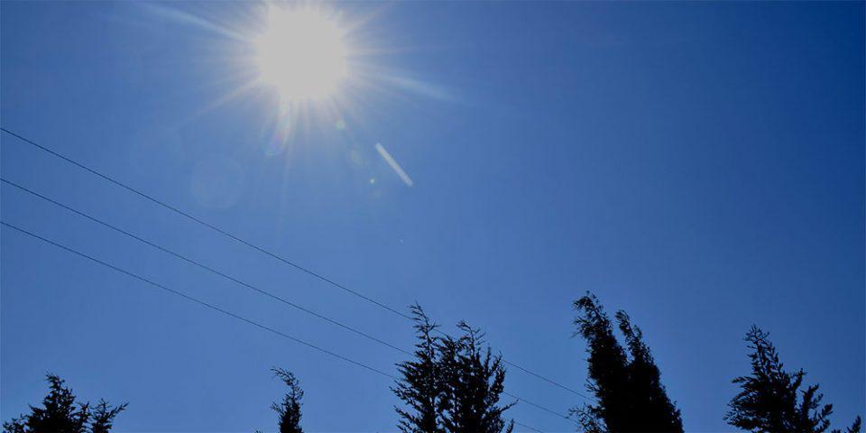 Καιρός: Ανεβαίνει η θερμοκρασία το Σάββατο - Πού θα βρέξει