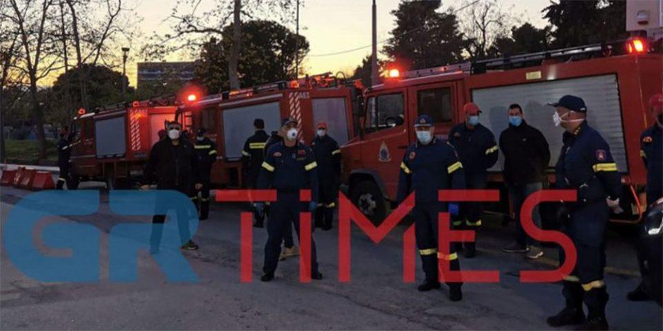 Κορωνοϊός - Θεσσαλονίκη: Το «ευχαριστώ» των πυροσβεστών σε γιατρούς και νοσηλευτές του ΑΧΕΠΑ [βίντεο]