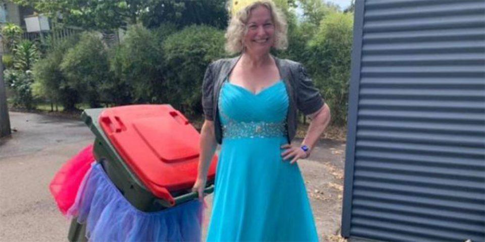 #BinIsolationOuting: Το νέο challenge της καραντίνας που θέλει να πετάς τα σκουπίδια σου με στιλ