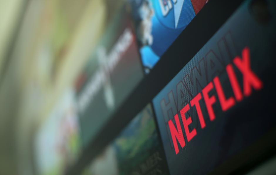 «Βόμβα» από το Netflix: Μπλοκάρει όσους μοιράζονται τον λογαριασμό τους