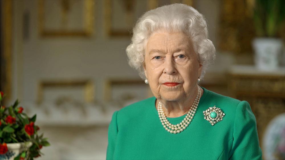 Δεύτερο μήνυμα σε μία εβδομάδα από τη βασίλισσα Ελισάβετ: Το Πάσχα δεν ακυρώνεται