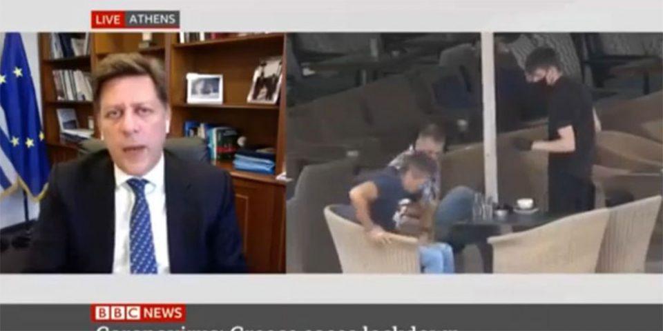 Το... απρόοπτο με τον καφέ στη συνέντευξη Βαρβιτσιώτη στο BBC που έγινε viral!