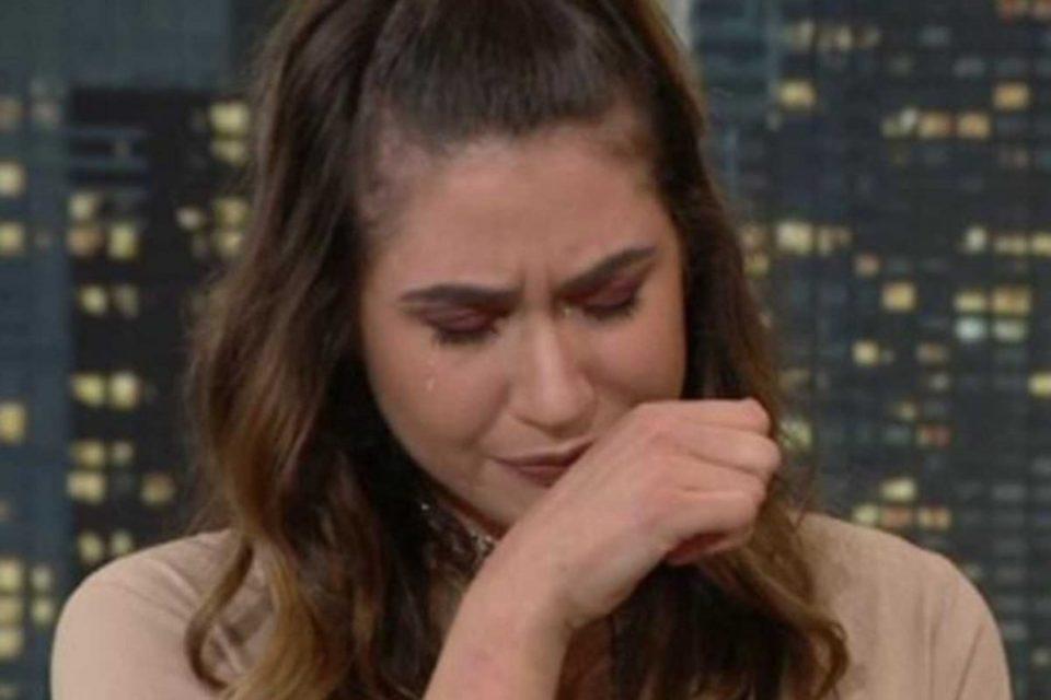 Πλάνταξε στο κλάμα στον Γρηγόρη Αρναούτογλου η Έλενα Κρεμλίδου