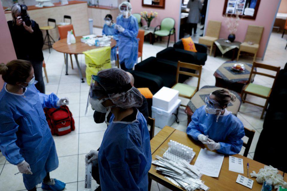Κορωνοϊός: Έρχονται νέα μέτρα μετά μετά τα αρνητικά ρεκόρ κρουσμάτων - Έγινε η αρχή με τον Πόρο