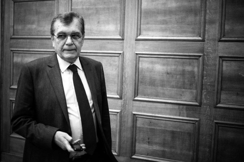 Δημήτρης Κρεμαστινός: Ο πολιτικός κόσμος αποχαιρετά τον «καρδιολόγο» των Ελλήνων