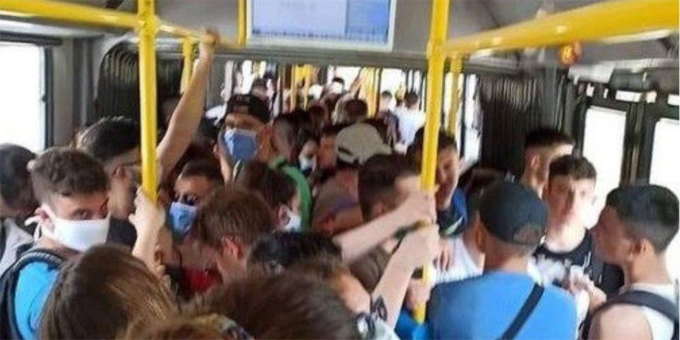 Αποστάσεις; Τι είναι αυτό;: Η απίστευτη εικόνα συνωστισμού σε λεωφορείο