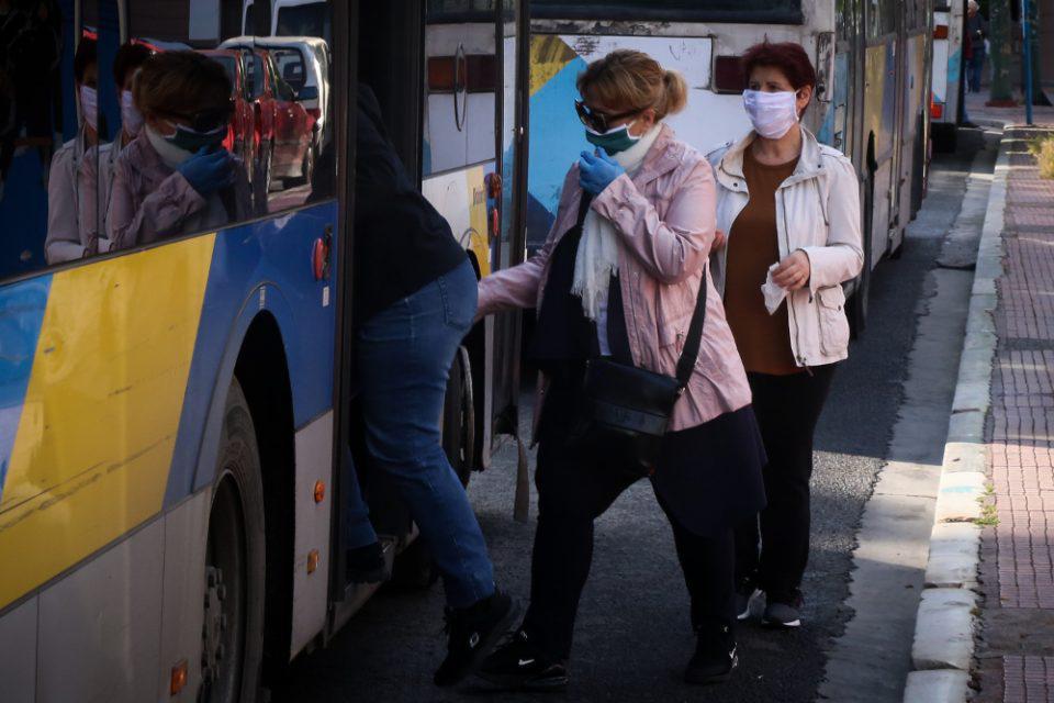 Κορωνοϊός: Έρχονται αλλαγές στις μάσκες σε κλειστούς χώρους με μεγάλο συγχρωτισμό