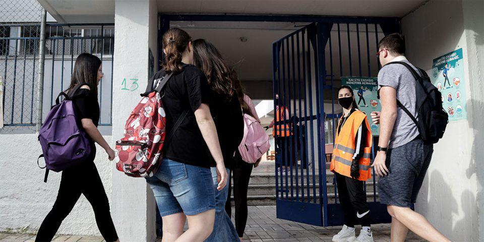 Πιερρακάκης: Προτεραιότητα στα self test θα έχουν οι μαθητές