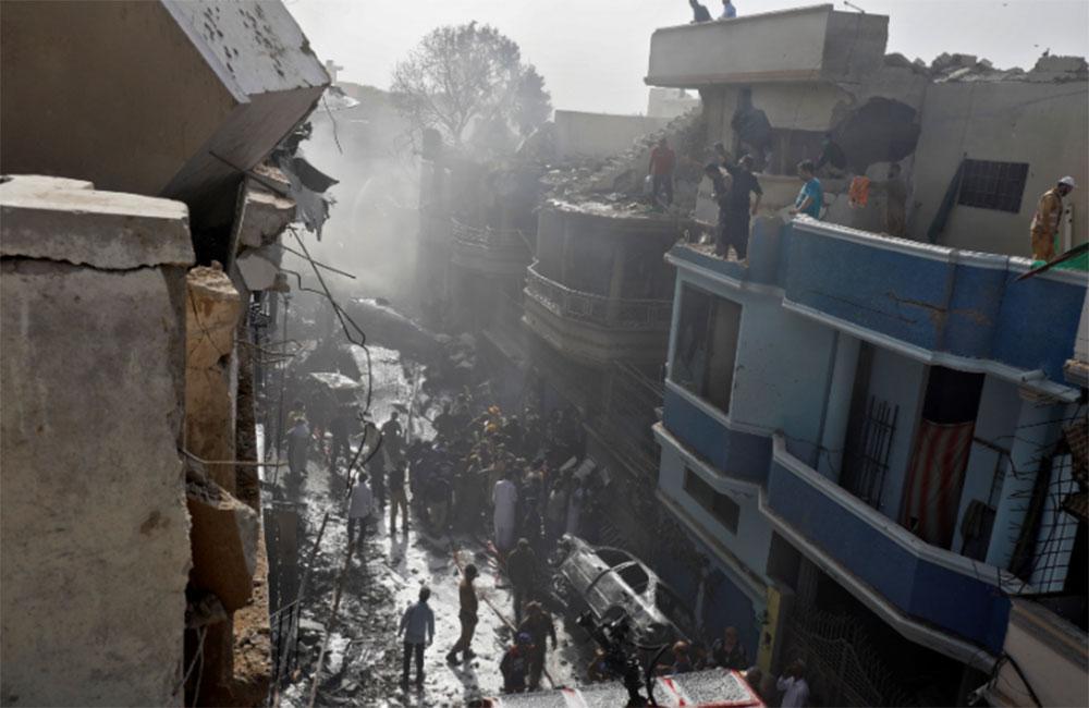 Εκτακτο: Αεροπορική τραγωδία στο Πακιστάν: Σοκάρουν τα τελευταία λόγια του πιλότου
