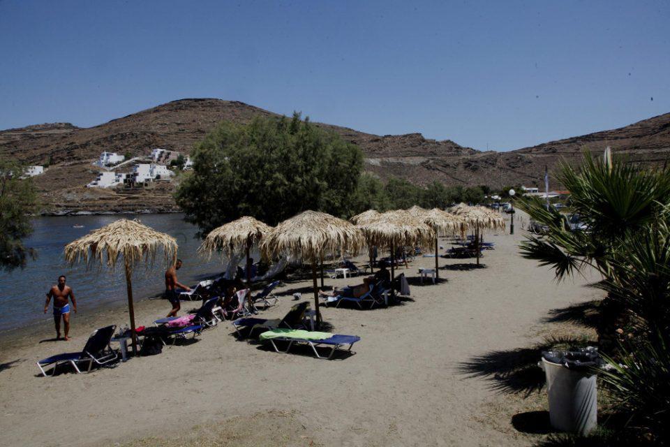 Ανοίγουν οι οργανωμένες παραλίες το Σαββατοκύριακο χωρίς μουσική και μόνο με take away!