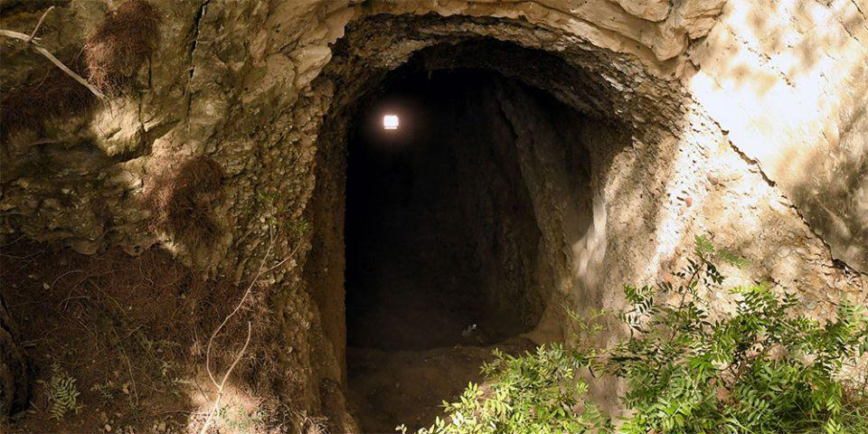 Τραγωδία στο Λουτράκι: «Μοιραίο κυνήγι θησαυρού» στη σπηλιά - Ποιοι ήταν οι 4 άνδρες που βρέθηκαν νεκροί