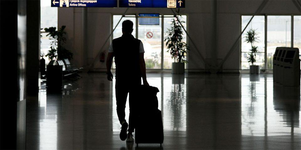 Δερμιτζάκης: 6 με 10.000 ασυμπτωματικοί τουρίστες θα έρθουν στην Ελλάδα
