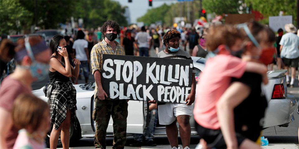 Δολοφονία Τζορτζ Φλόιντ: Δραματική η κατάσταση στις ΗΠΑ - Νέο σοκαριστικό βίντεο με περιπολικό να παρασύρει διαδηλωτές