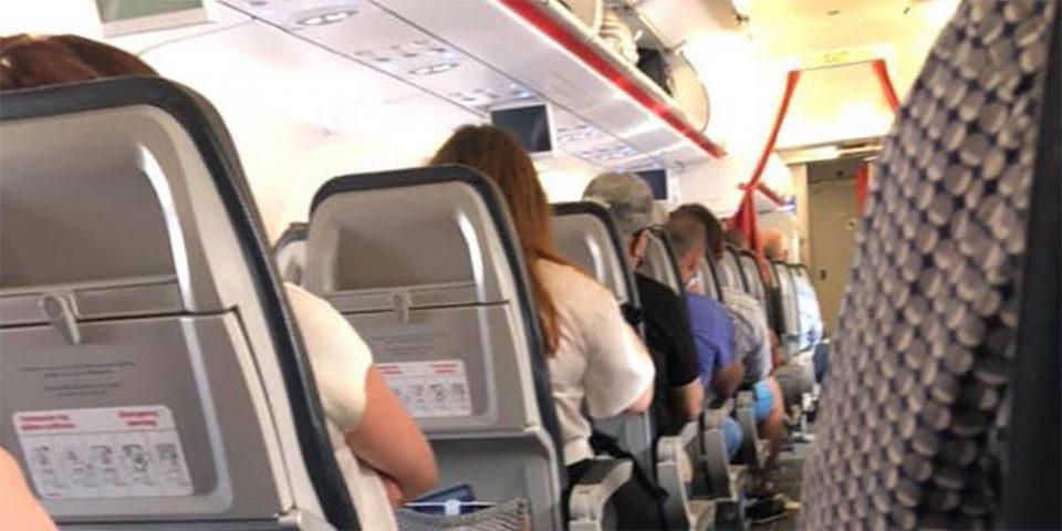 Η πρώτη πτήση από Αθήνα για Θεσσαλονίκη είναι γεγονός - Με μάσκες και αντισηπτικά οι επιβάτες