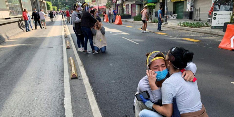 Δύο νεκροί από το «χτύπημα» του Εγκέλαδου στο Μεξικό - Συγκλονιστικές μαρτυρίες