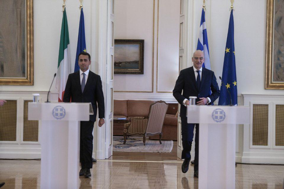 Αυτή είναι η ιστορική συμφωνία Ελλάδας–Ιταλίας για την ΑΟΖ που αποτελεί ασπίδα και μήνυμα στον Ερντογάν