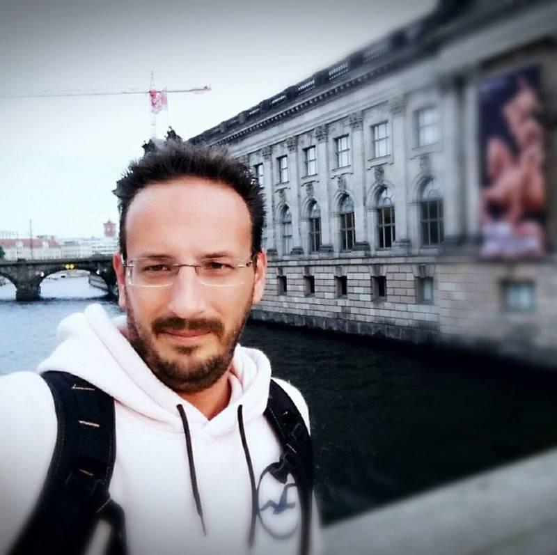 Αποχώρηση «βόμβα» συνεργάτη του Νίκου Μουτσινά – Σε ποιο κανάλι πάει