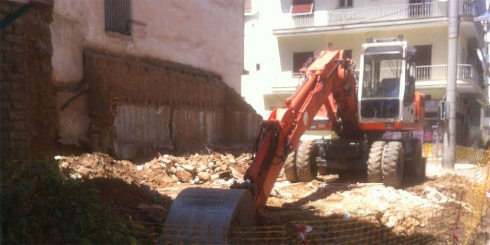 Παρεμβάσεις - «ανάσα» από τον Δήμο Αθηναίων - Κατεδαφίζονται 13 επικίνδυνα κτήρια