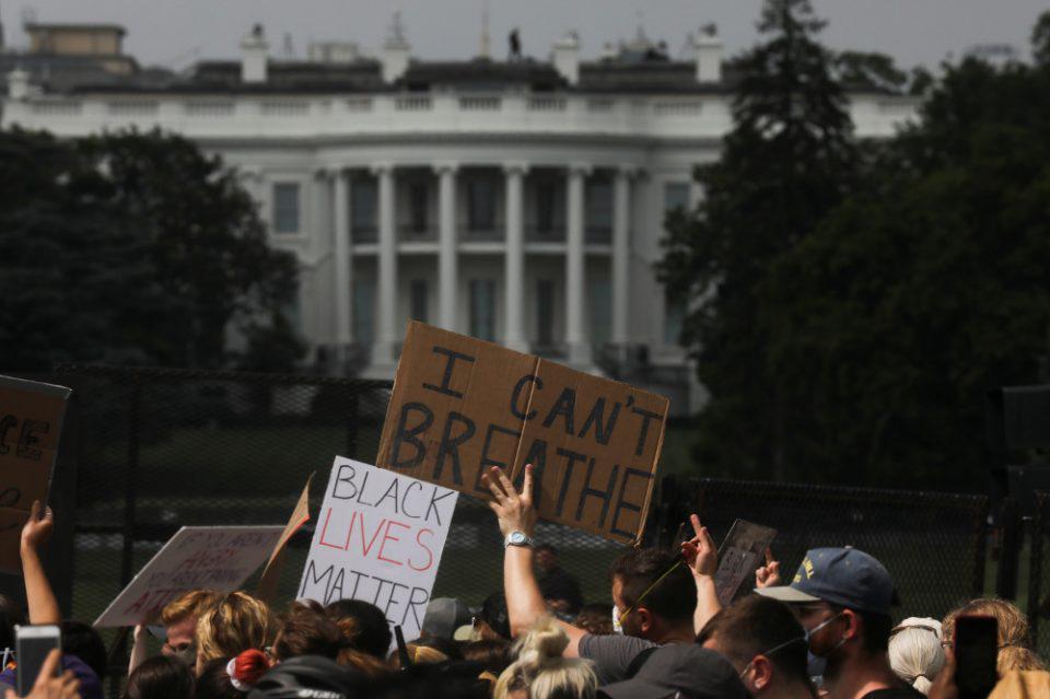 Δολοφονία Φλόιντ: Χιλιάδες διαδηλωτές στις αντιρατσιστικές κινητοποιήσεις σε ολόκληρο τον κόσμο