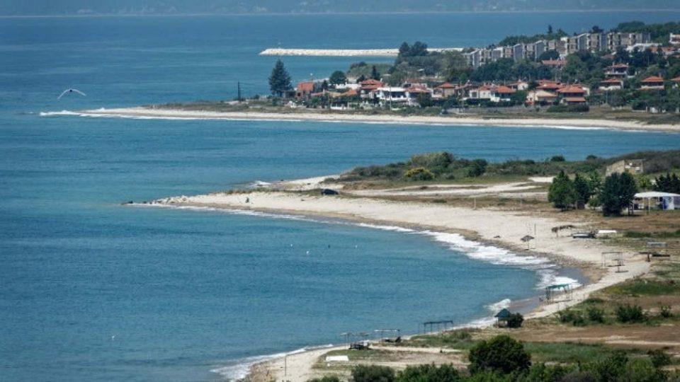 Ξέρετε που είναι η παραλία της Τούζλας; Όσο και να την ψάξετε δεν θα την βρείτε στα χαρτιά
