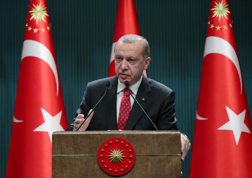 Προκλητικός Ερντογάν: Είμαστε πολύ μεγάλοι για να μας φάτε