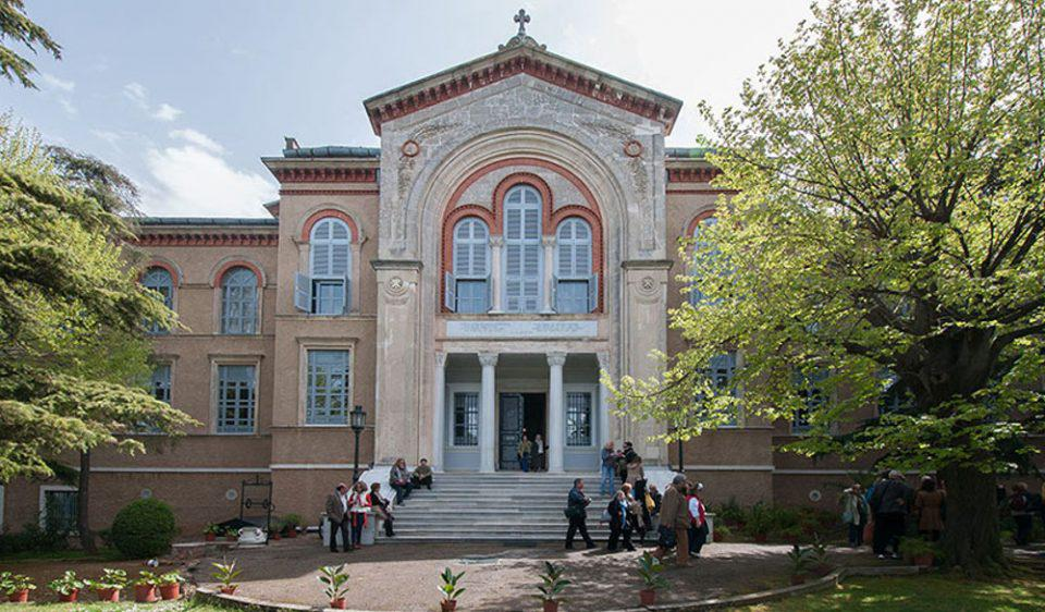 Εκπρόσωπος Ερντογάν: Για να ανοίξει η Θεολογική Σχολή ανοίξτε τζαμί στην Αθήνα