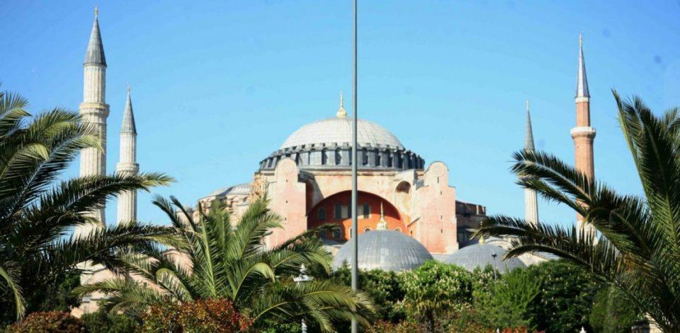 Έντονη αντίδραση της UNESCO για το καθεστώς της Αγίας Σοφίας - Τι λέει η Μενδώνη