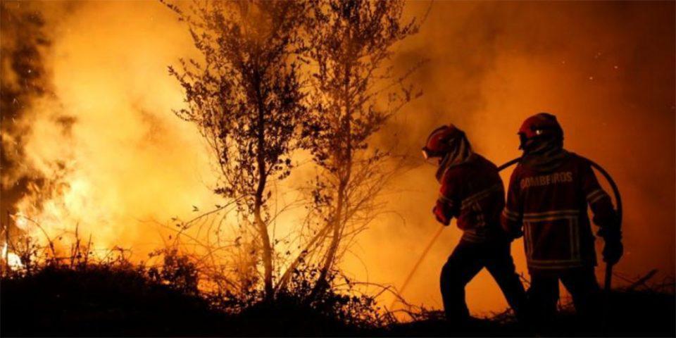 Ανεξέλεγκτη πυρκαγιά στην κεντρική Πορτογαλία - Πάνω από 700 πυροσβέστες στη μάχη της κατάσβεσης