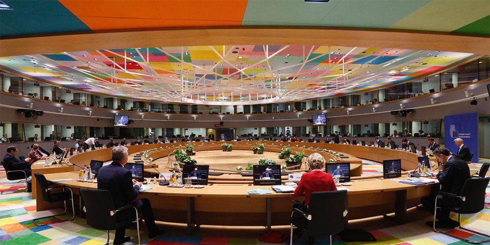 «Σκληρό πόκερ» στις Βρυξέλλες: Ανοιχτό το ενδεχόμενο για νέα πρόταση Μισέλ - «Βρισκόμαστε σε τέλμα», λέει ο Κόντε