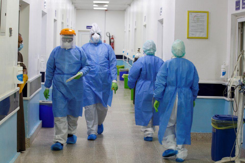 Κορωνοϊός: Η μεγάλη διασπορά πιέζει τα νοσοκομεία της Αττικής