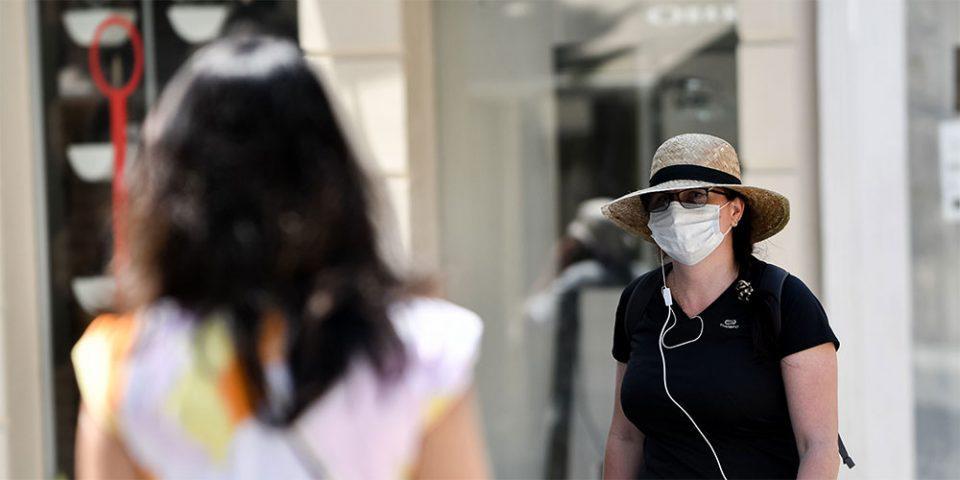 Ο κορωνοϊός είναι εδώ και η μάσκα γίνεται υποχρεωτική: Τι αλλάζει από αύριο, τι επιτρέπεται και τι απαγορεύεται