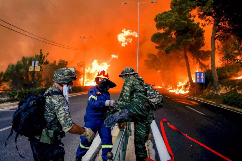Τραγωδία στο Μάτι: 20 εναέρια μέσα θα μπορούσαν να έσωζαν ζωές - Δίωξη για κακούργημα σε 12 ζητά ο ανακριτής
