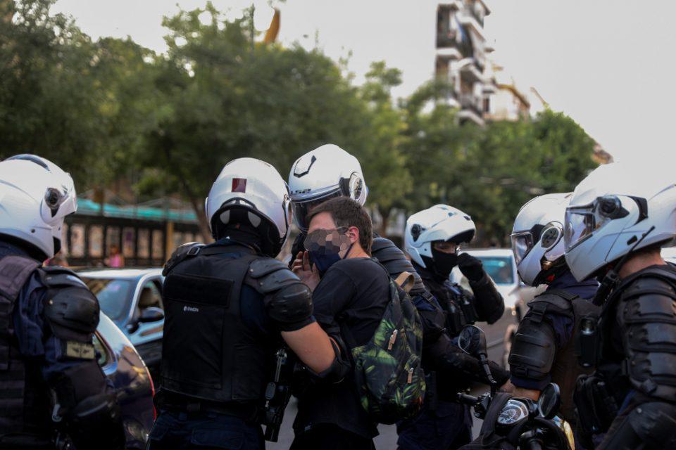 Τρεις συλλήψεις από την ΕΛΑΣ για τα επεισόδια στην ΑΣΟΕΕ