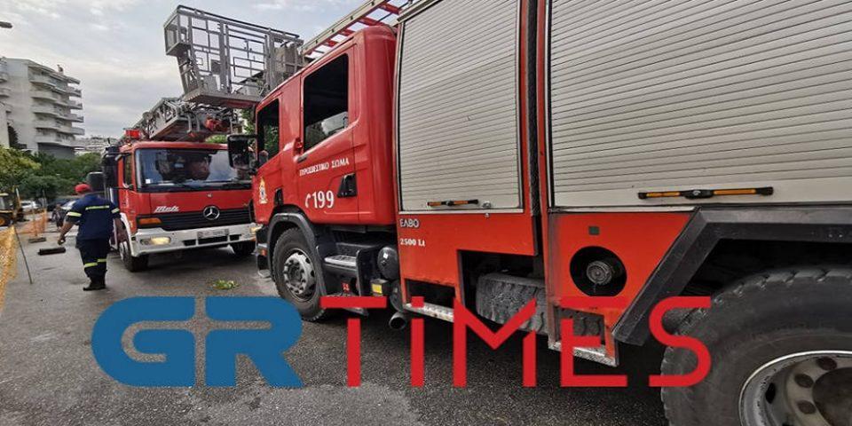 Στις φλόγες διαμέρισμα στις Συκιές Θεσσαλονίκης – Δεν υπήρξαν τραυματίες
