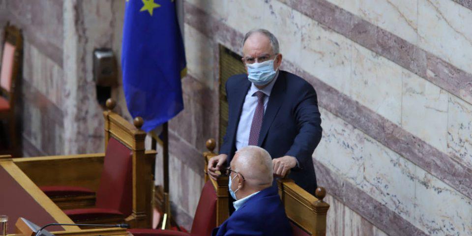 Μάσκα και στη Βουλή: Υποχρεωτική η χρήση της από όλους!